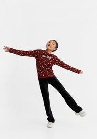 WE Fashion - MET LUIPAARDPRINT - Sweatshirt - pink - 1