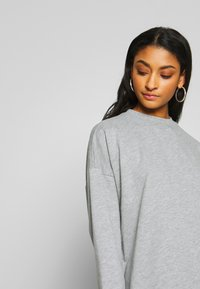 Nly by Nelly - THROUGH THE HOOD - Korte jurk - grey mélange - 4