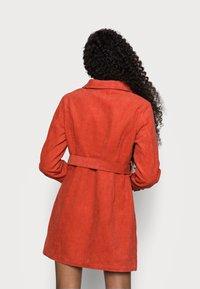 Glamorous Petite - LADIES DRESS - Košilové šaty - burnt orange - 2