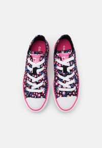 Converse - CHUCK TAYLOR ALL STAR FLORAL - Tenisky - black/bold pink/white - 3