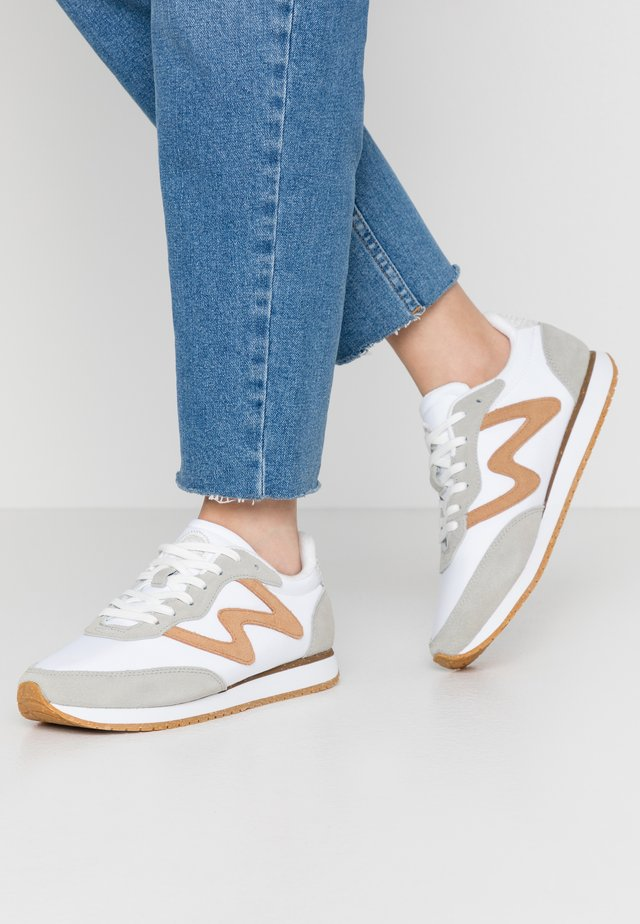 OLIVIA - Trainers - bright white