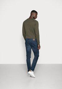 Only & Sons - ONSLOOM DARK - Slim fit jeans - blue denim - 2