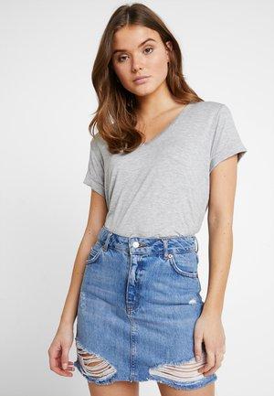 KARLY - Basic T-shirt - grey marle