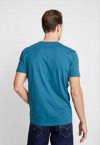 Marc O'Polo - T-shirt basic - dragon fly - 2