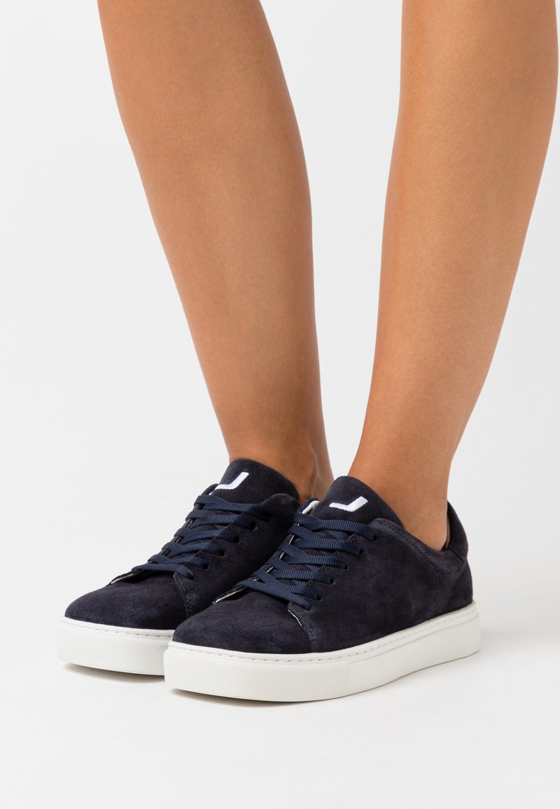 Joshua Sanders - SQUARED SHOES  - Trainers - navy