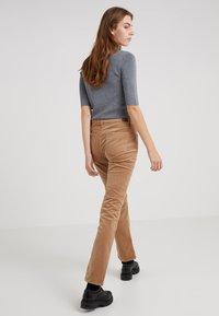 Lauren Ralph Lauren - Trousers - classic camel - 2