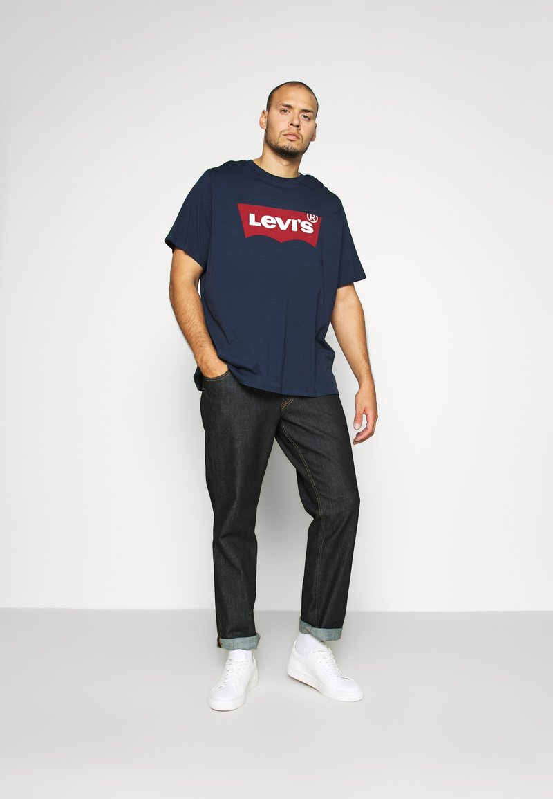Levi's® Plus - BIG GRAPHIC TEE - T-shirt print - dress blues