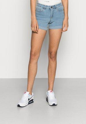 NMBE LUCY FOLD - Denim shorts - light blue denim