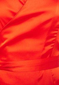 Never Fully Dressed - TANGERINE SLEEVELESS WRAP DRESS - Vestido de cóctel - tangerine - 2