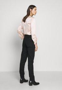Esprit - Chino kalhoty - black - 2