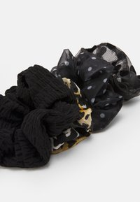 ONLY - ONLLEA 4PACK MIX SCRUNCHIES - Hair styling accessory - black/mixed - 1