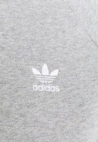 adidas Originals - ESSENTIAL CREW - Sweatshirt - medium grey heather - 4