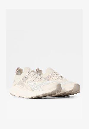 HYPNUM - Hiking shoes - gardenia white/silvergrey
