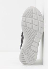 Skechers - EQUALIZER 3.0 - Tenisky - black/charcoal/lime - 5