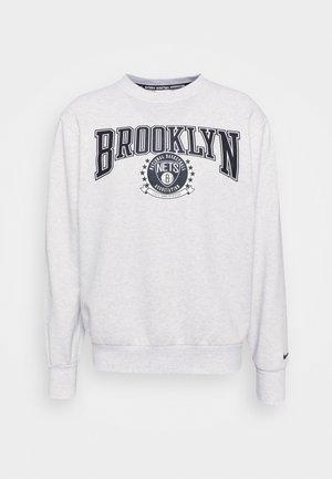 NBA BROOKLYN NETS CREWNECK - Article de supporter - birch heather/white/black
