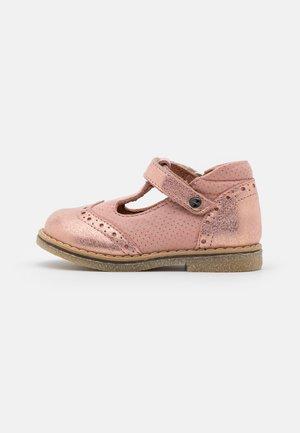 ELIS - Bailarinas con hebilla - pink shine