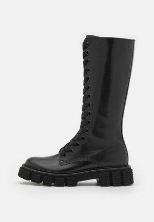 SPICE - Stivali con i lacci - schwarz
