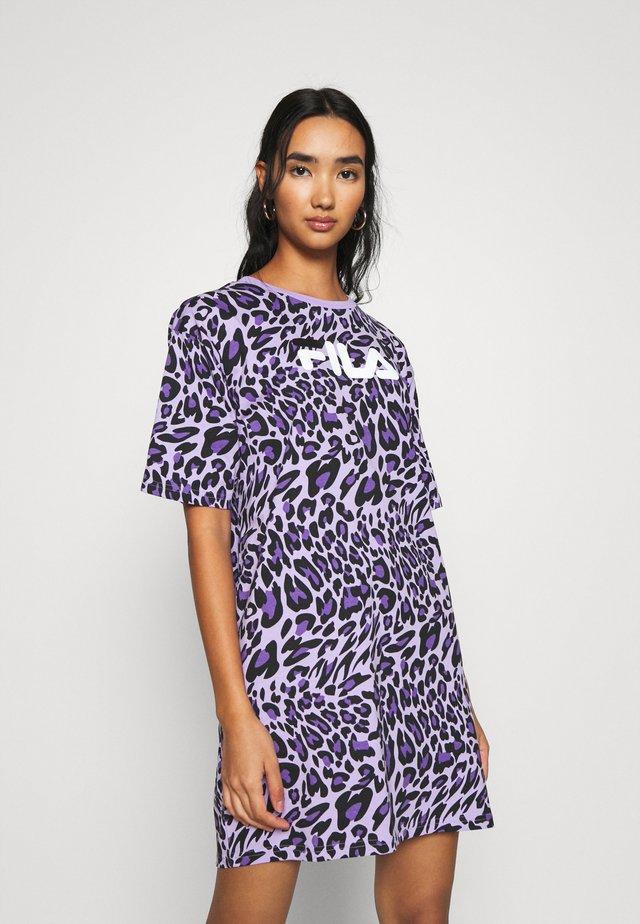 SATINKA TEE DRESS - Jersey dress - lilac