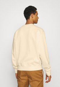 adidas Originals - PREMIUM CREW UNISEX - Sweatshirt - off-white