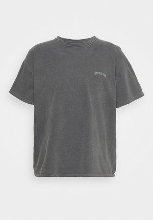 LOGO EMBROIDERED TEE UNISEX - T-Shirt basic - washed black