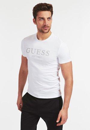 T-SHIRT FRONTLOGO - T-shirt imprimé - weiß