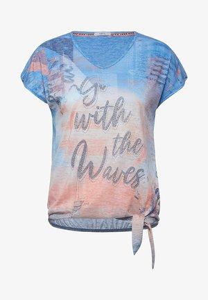 MIT BURN-OUT EFFEKT - Print T-shirt - blau