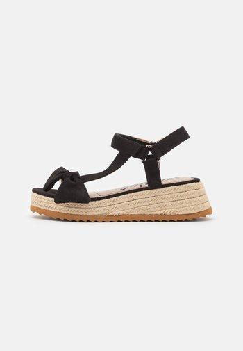 LYDIA - Sandály na platformě - black