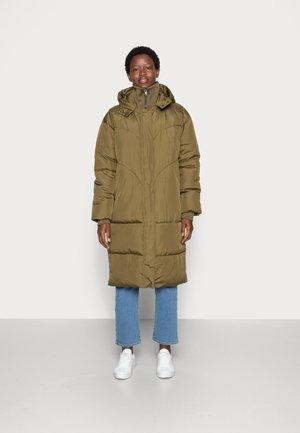 INGA PUFFER COAT - Zimní kabát - dark olive