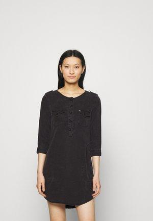 ELORA - Denimové šaty - mottled dark grey