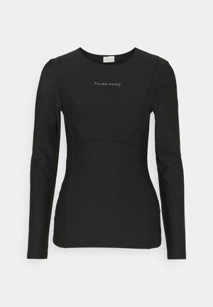 FEMALE TIGHT LONGSLEEVE - Pitkähihainen paita - black