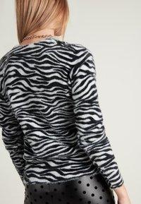 Tezenis - Jumper - aufdruck  zebra print - 1