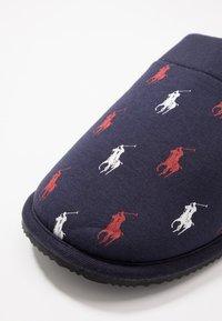 Polo Ralph Lauren - SUMMIT SCUFF - Domácí obuv - navy - 5