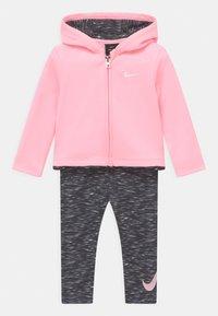 Nike Sportswear - THERMA SET - Verryttelytakki - black - 0