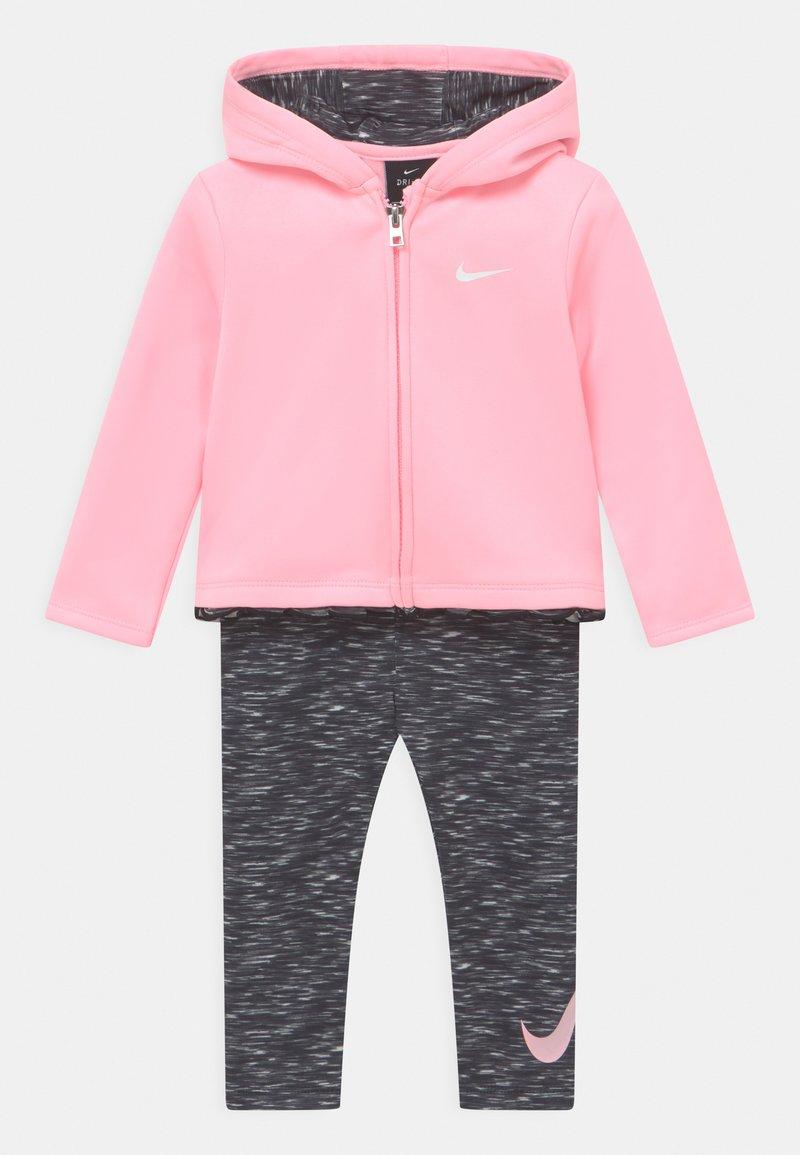 Nike Sportswear - THERMA SET - Verryttelytakki - black