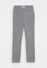 OshKosh - CINCH PANT - Teplákové kalhoty - heather - 1