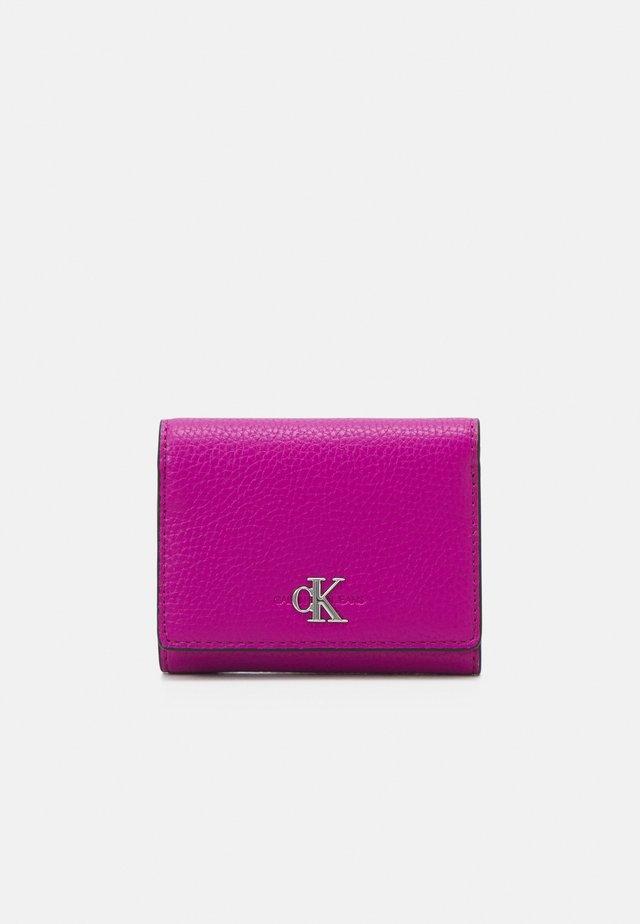 TRIFOLD MEDIUM - Wallet - purple