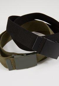 Pier One - UNISEX 2 PACK - Belt - oliv/black - 2
