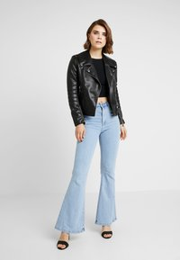 Abrand Jeans - DOUBLE - Flared Jeans - walk away - 1