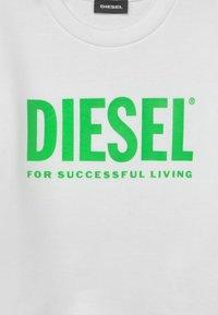 Diesel - SCREWDIVISION LOGO UNISEX - Sweatshirt - bianco - 2