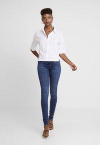 ONLY - ONLPAOLA HIGHWAIST - Jeans Skinny Fit - medium blue denim - 1