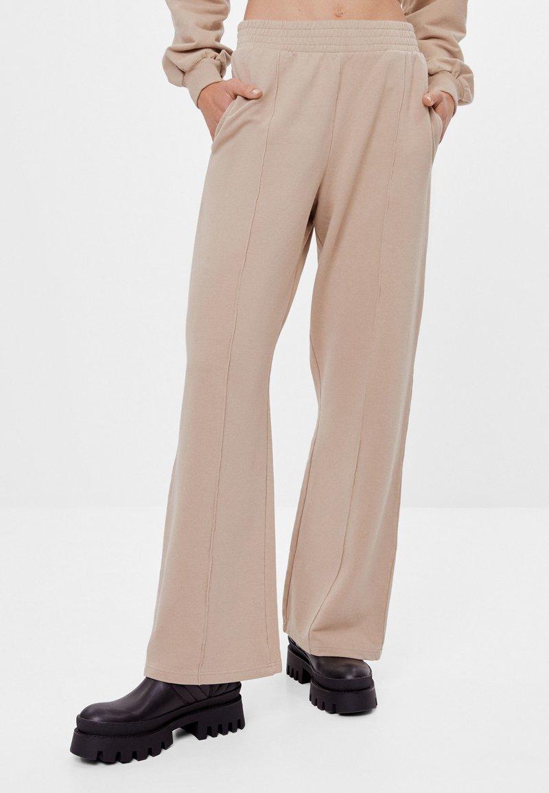 Bershka - Kalhoty - beige