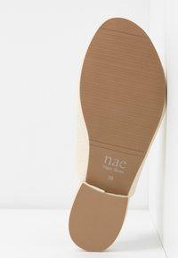 NAE Vegan Shoes - THEIA - Sandaalit nilkkaremmillä - white - 6
