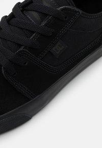 DC Shoes - TONIK - Sneakersy niskie - black - 5