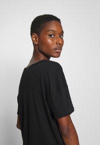 American Vintage - CHIPIECAT - Basic T-shirt - noir - 3
