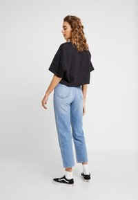 Abrand Jeans - A CROPPED OVERSIZED TEE - Print T-shirt - faded black - 2