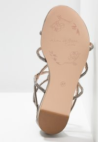 Alma en Pena - T-bar sandals - oporto pewter - 6