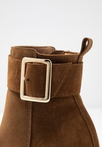KIOMI - Classic ankle boots - brown - 2