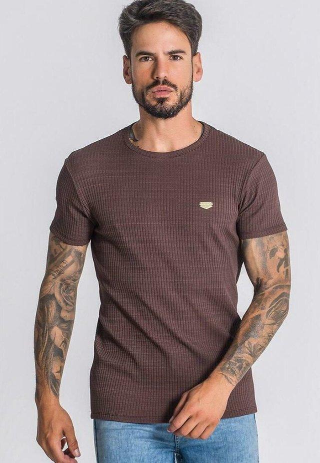 CORE RIBBED - T-shirt print - brown