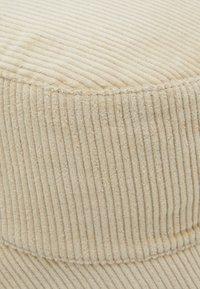 Pieces - PCJIOLA BUCKET HAT - Hat - warm sand - 2