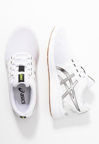 ASICS - GEL-TORRANCE 2 - Zapatillas de running neutras - white/black - 1